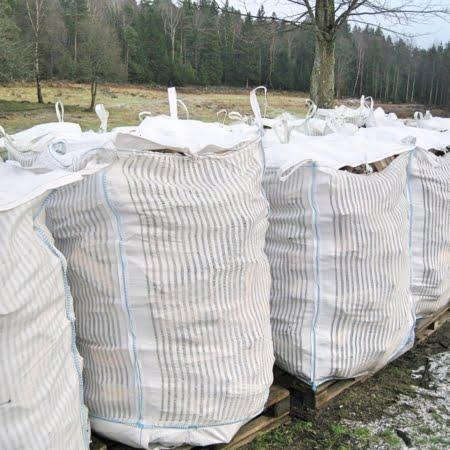 Fyllda storsäckar 1500 liter