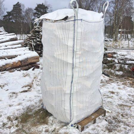 Fylld storsäck XL med regnskydd